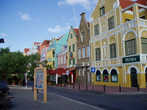 Jan '06 - Colourful Building Downtown Willemstad, Curacao - click to enlarge
