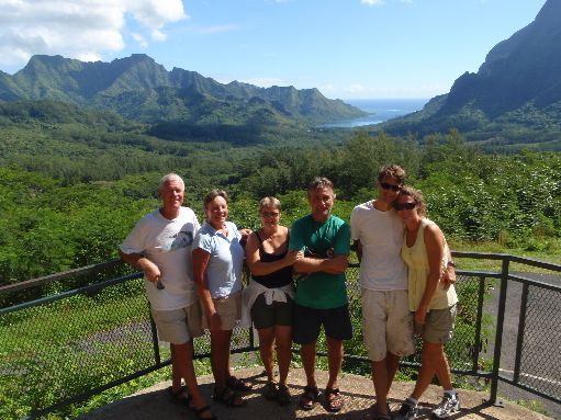 Jun '09 - Moorea - The crews of Lightheart, Daydream & Australis - click to enlarge