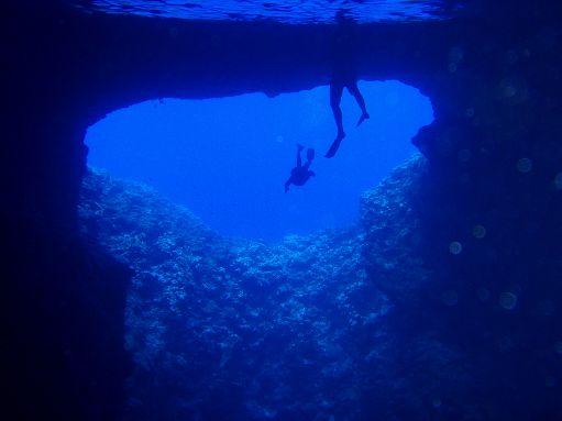 Vava'u - Snorkeling in Mariner's Cave